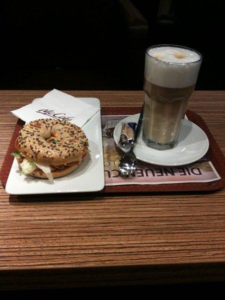 Pusryčiai Karslrūhės geležinkelio stotyje